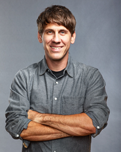 Headshot Dennis Crowley